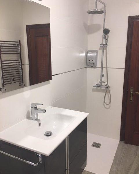 Reforma baño Pola de Laviana